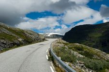 Free Mountain Road Royalty Free Stock Photos - 7928958