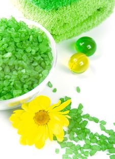 Free Bath Salt, Oil Balls And Green Towels Royalty Free Stock Image - 7929966
