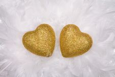 Free Two Hearts Over White Feathers Stock Images - 7933464