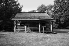 Free Black & White Log Cabin Royalty Free Stock Image - 7934426