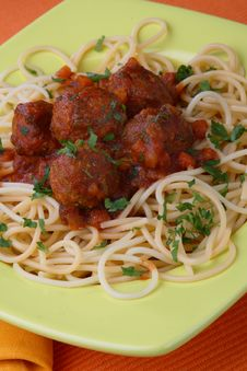 Turkey Meat Balls In Sauce With Spaghetti And Herb Stock Images