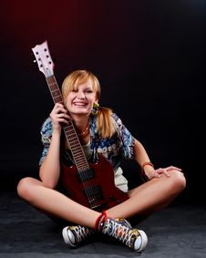 Free Woman With Electric Guitar Royalty Free Stock Photos - 7936098