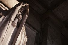 Free Mortal Statue From A Graveyard Royalty Free Stock Image - 7937266