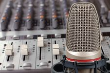 Free Microphone In Sound Studio Stock Photography - 7939972