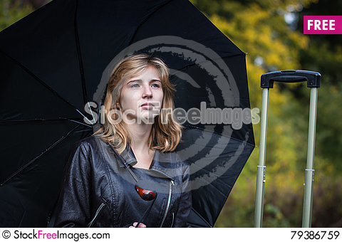 Free Girl, Umbrella And Rails Royalty Free Stock Images - 79386759