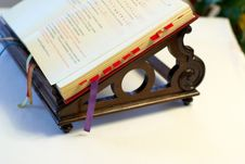 Free Opened Bible On Support Royalty Free Stock Photo - 7942905