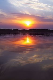 Sunset Of A Sun Above A Lake Royalty Free Stock Photography