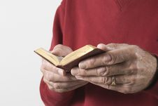 Free Hands Holding A Prayer Book Royalty Free Stock Images - 7947589