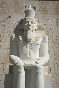 Free Ramses Statue Royalty Free Stock Image - 7951356