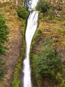 Free Horse Tail Falls Waterfall In Oregon Stock Photo - 7953140