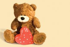 Free Brown Teddy Bear With Heart Royalty Free Stock Images - 7954449