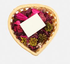 Free Basket With Sheet And Flowers Royalty Free Stock Image - 7956906