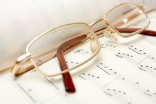 Free Glasses On Book Of Notes Royalty Free Stock Photo - 7957675