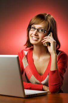 Free Beautiful Smiling Woman Working Royalty Free Stock Photos - 7957678