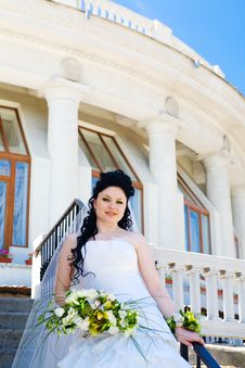 Free Bride On The Staircase Royalty Free Stock Photos - 7961578