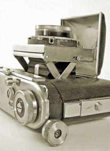 Free Retro Camera. Royalty Free Stock Image - 7962966