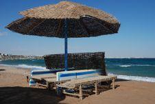 Free Umbrella On The Beach Royalty Free Stock Photography - 7964037
