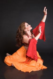 Free Belly Dancer In Red Royalty Free Stock Images - 7965019