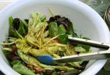 Free Salad Of Mixed Vegetables In A White Bowl Royalty Free Stock Photos - 7970908