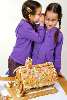 Free Twins Decorating Royalty Free Stock Image - 7976166