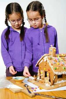 Free Twins Decorating Stock Photos - 7976193