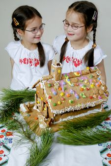 Free Twins Decorating Stock Photography - 7976202