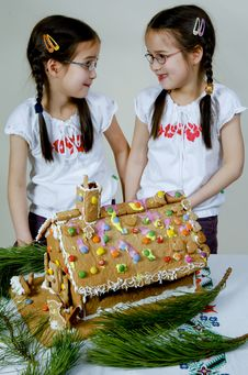 Free Twins Decorating Stock Image - 7976231