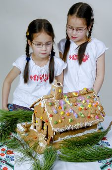 Free Twins Decorating Stock Images - 7976294