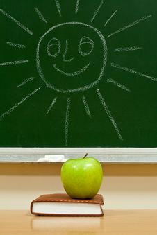 Free Notebook And Green Apple Royalty Free Stock Photo - 7977645