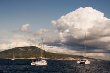 Free Yachts Sailing Near Shore Stock Images - 7977694