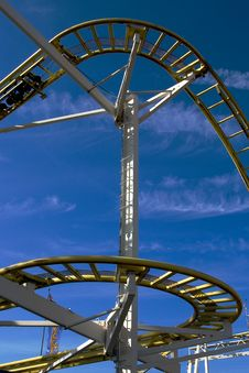Free Rollercoaster Royalty Free Stock Photography - 7979707