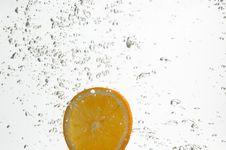 Free Slice Of Orange In Water. Royalty Free Stock Photo - 7980395