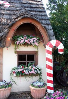 Cottage Window At Christmas Stock Photos