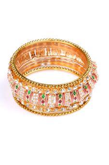 Free Golden Bracelet Royalty Free Stock Photo - 7985665