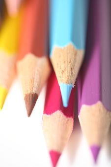 Free Macro Pencil Cluster Points Down Blue Focus Royalty Free Stock Photos - 7988468