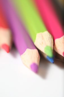 Free Macro Pencil Cluster Points Down Right Green Focus Royalty Free Stock Photography - 7988527