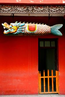Free Break Their Fast Fish Liuzhou Wooden Temple Watchm Royalty Free Stock Image - 7989676