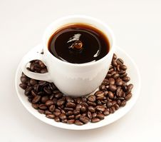Free Drop In The Midlle Of Coffee Cup Stock Photos - 7990983