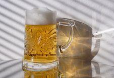 Free Mugful Of Beer Stock Photo - 7991190
