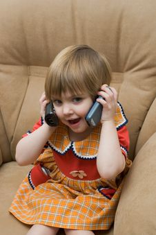 Free The Little Child With Phone Stock Photos - 7992563