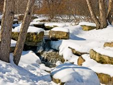 Free Snowy Creek Royalty Free Stock Photos - 7996188
