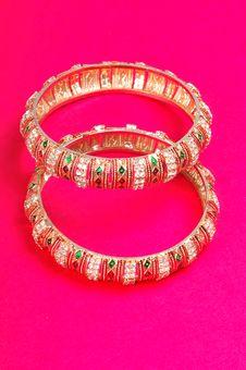 Free Golden Bracelets Stock Images - 7998544