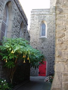 Free Church Courtyard Royalty Free Stock Image - 87136