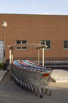 Free Shopping Carts Stock Photography - 800082