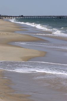 Free Pier By Shore Royalty Free Stock Images - 803969