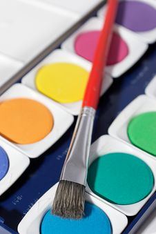 Free Paintbox With Brush Stock Photo - 807690