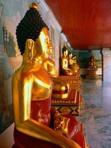 Free Hall Of Golden Buddhas Stock Photography - 809442