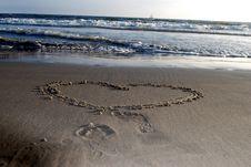 Free A Goodbye Heart On Ocean Shore Stock Photo - 8000520
