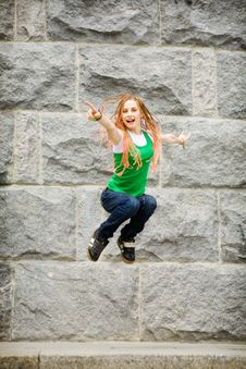 Free Jumping Girl Royalty Free Stock Photography - 8001527