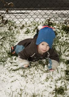 Free Little Boy In The Snow Stock Photography - 8005452